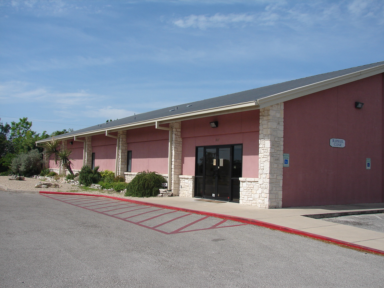 2000- Raphael Community Free Clinic capital project, Kerrville, Texas.